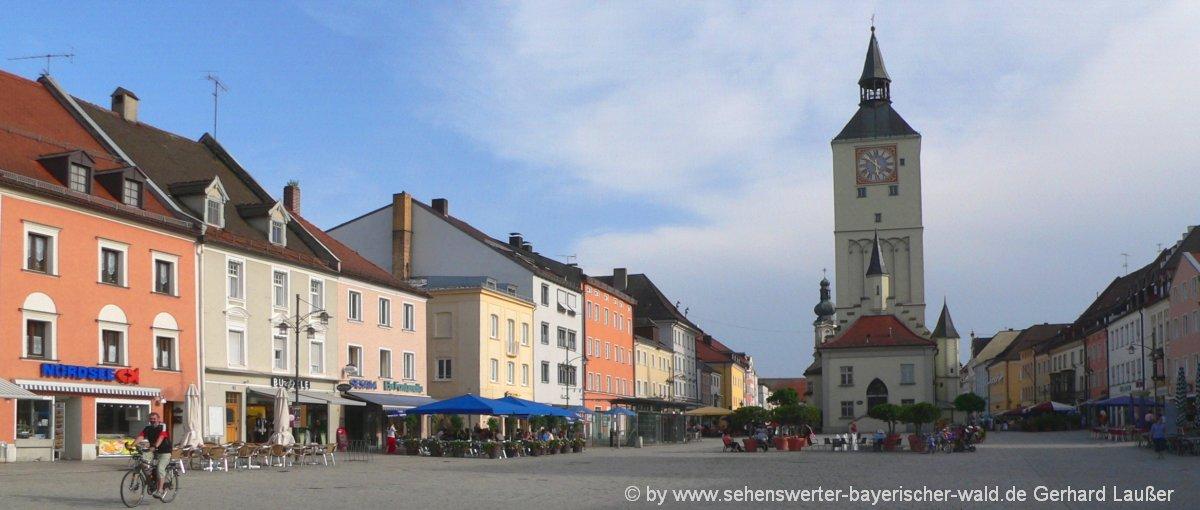 deggendorf-ausflugsziele-niederbayern-sehenswuerdigkeiten-stadtplatz