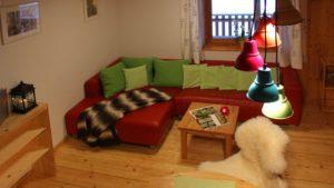 ferienwohnung-lilie-bayerischer-wald-couch-1600